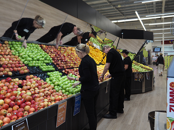 Fruit sorting by job seekers