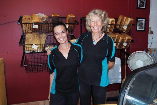 Melarnie with her Manager at Bananacoast Hot Bake